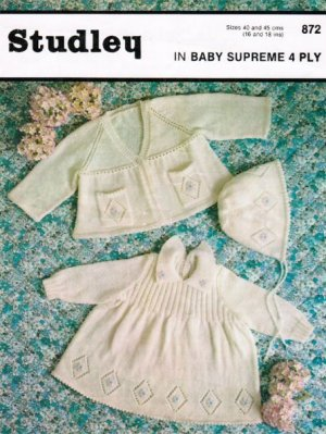 Diamond pattern baby dress & pram set in 4 ply