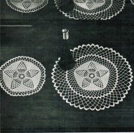 Star design dressing table mat doilie set