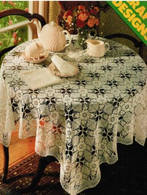 Crochet square tablecloth and napkins