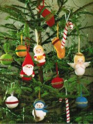 Assortment of 7 Christmas tree decorations / toys
